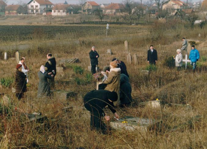 Gakowa-Deutsche Friedhof. Deutscher Volksverband hat Kranz niedergelegt im Januar 1998.